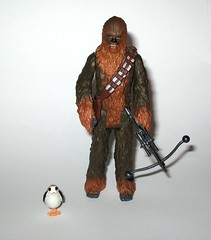 chewbacca with porg star wars the last jedi red and white card basic action figures force link 2017 hasbro porg above bowcaster version variant j (tjparkside) Tags: chewbacca with porg wookie porgs bowcaster weapon weapons rifle star wars last jedi tlj episode 8 eight vii force link basic action figure figures hasbro disney 2017 friday first 1st september activated activation red white card 5poa 5 poa kylo ren top packaging variant variation above version mosc 2