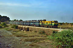 IN - 2017-12-02 - Bamour Gaon (Thomas Kabisch) Tags: indianrailways india ndm5 gwalior