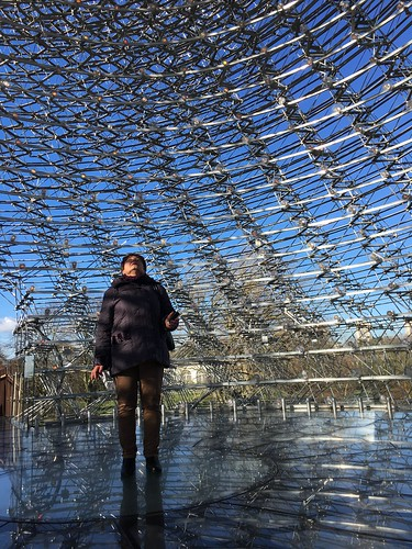 Mum in The Hive @ Kew ©  Still ePsiLoN