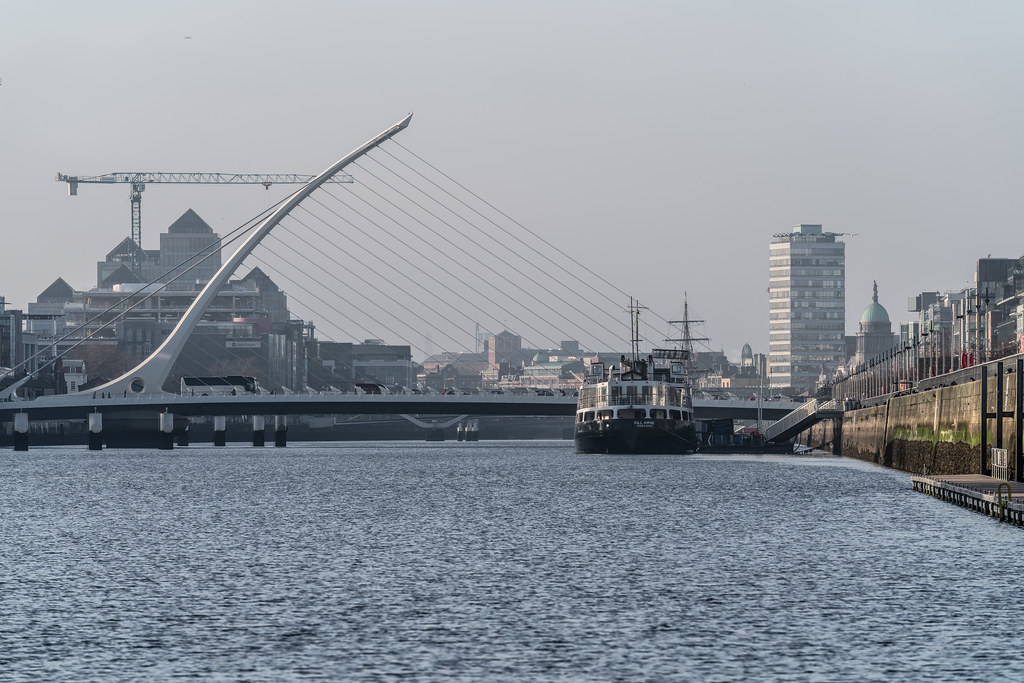 THE SAMUEL BECKETT BRIDGE 11 JANUARY 2018 [STILL TRYING FOR A UNIQUE IMAGE OF THIS BRIDGE]-135492