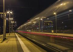 night train (Henry der Mops) Tags: nighttrain img0518 frankfurt bahnhof zug train tracks langzeitbelichtung nachtaufnahme mplez henrydermops canoneos6d canonlens24105mm nachtzug reisen travel trainstation
