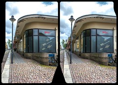 Reichenbach, Humboldtstraße 3-D / CrossView / Stereoscopy / HDR / Raw (Stereotron) Tags: saxony sachsen vogtland reichenbach neuberinstadt humboldtstrase artdeco bauhaus quietearth europe germany deutschland crosseye crosseyed crossview xview cross eye pair freeview sidebyside sbs kreuzblick 3d 3dphoto 3dstereo 3rddimension spatial stereo stereo3d stereophoto stereophotography stereoscopic stereoscopy stereotron threedimensional stereoview stereophotomaker stereophotograph 3dpicture 3dglasses 3dimage twin canon eos 550d yongnuo radio transmitter remote control synchron kitlens 1855mm tonemapping hdr hdri raw