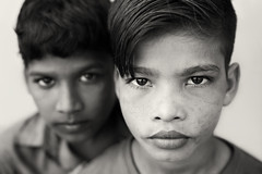 Bangladesh, street kids in Barisal (Dietmar Temps) Tags: 50mm asia bangladesch bangladesh barisal bengali boys culture ethnic ethnie ethnology faces homeless launchghat naturallight outdoor people port porter southasia street children streetkids streetphotography tradition traditional