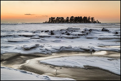 Storsandsgrundet (Jonas Thomén) Tags: storsand storsandsgrundet sea hav havet ice is rocks klippor cliffs snow snö winter vinter sunset solnedgång island ö spricka crack hdr seascape landscape landskap