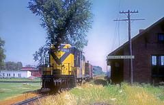 C&NW GP7 1581 (Chuck Zeiler) Tags: cnw gp7 1581 railroad emd locomotive johnsoncreek train chuckzeiler chz