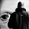 THE EYE OF THE PHOTOGRAPHER (Akbar Simonse) Tags: delft holland netherlands nederland streetart graffiti urbanart zwartwit bw blancoynegro bn monochrome people candid streetphotography straatfotografie vierkant square akbarsimonse near nike hetoogvandefotograaf