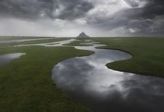 Le Mont-Saint-Michel (Bretandie) (Mathulak) Tags: montsaintmichel mont michel saint normandie bretagne bretandie nuages orage réflection