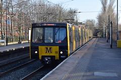 Tyne And Wear Metro 4027 arriving at West Jesmond (Tom 43299) Tags: tyneandwearmetro train 4027 westjesmondmetro emu