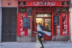 café olé (Edwige7833) Tags: madrid street photography magasins restaurants et cafés