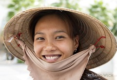 Fruit Vendor in Ho Chi Minh City (Rolandito.) Tags: south east southeast asia vietnam viet nam girl woman portrait ho chi minh city stadt saigon