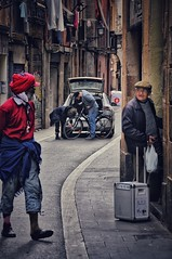 2018-01-21_11-13-36 (montse.ramis) Tags: barcelona raval streetphotography streets people
