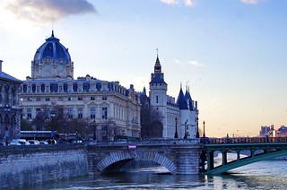 115 Paris en Février 2018 - Pont Notre-Dame, Tribunal de Commerce, Conciergerie