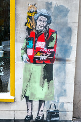 Loretto : The Queen (dprezat) Tags: loretto thequeen queen elysabeth reine streetcatbob london londres bricklane uk streetart street art graf tag pochoir stencil peinture aérosol bombe urban nikond800 nikon d800