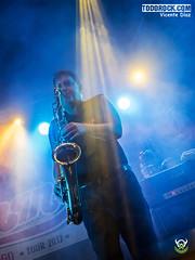 Mike Slingluff (yiyo4ever) Tags: burning but johnnycifuentes todorock zuiko concert concierto guitar fenderguitar lights luces stage escenario lumix panasonic olympus omd em5 m43 mft zuiko1240mmf28 lumix35100mmf28 rubenpozo loszigarros desvariados