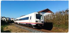 Perlio (javivillanuevarico) Tags: renfe ferrocarril galicia fene