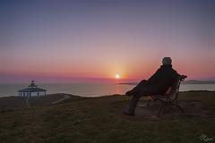 Contemplado una maravilla!! (Urugallu) Tags: faro mar amanecer color luz sol nubes horizonte islapancha lugo cantabrico galicia ribadeo banco urugallu joserodriguez flickr canon 70d