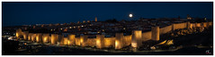 Luna sobre Ávila (Salva RC.) Tags: murallas nocturna largaexposición panorámica luna ávila obturaciónlenta night coches vehiculos trípode isobajo raw ngc nationalgeographic nikon superluna beautiful nice nitidez resolución photoshop luces iluminación réflex picture degradado explorador