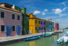 promenade... (Blende1.8) Tags: burano venice venezia venedig colours colors colour color waterway canal boat boats boot boote farben farbig bunt bluesky blauerhimmel clouds wolken schön nice vivid colourful yellow blue green facades fassaden fassade buntefassaden italy italien travel postcard reise carstenheyer nikon d600 architecture architektur