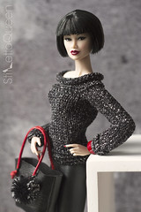 Kyori (Stiletto Queen) Tags: kyoridangeroustoknow fr fashionroyalty fashiondoll katjuss knitwear bag