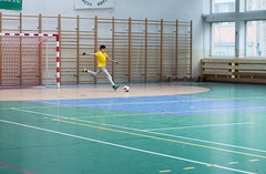 Football fly (kuguar.filozof) Tags: kuguar filozof football ball goal goalkeeper pitch stadium gym yellow fly match kid child man men