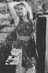 Julia // Udías 2013 - Reedición 01 (Lt. Sweeney) Tags: mono monochrome monocromo monocromático bn bw byn blancoynegro blanco negro blackandwhite black white sincolor luznatural exterior sinflash desaturado beautiful belle bella guapa gorgeous cool cute joli beau woman femme female fámina femenina mujer belleza attitude actitud canon airelibre gente retrato portrait encuadrevertical encuadre frame vertical escaladegrises bellezaclásica rusa mirada look estilismo outfit shooting