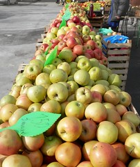 Apples (magellano) Tags: ljubljana lubiana slovenia mercato market mela apple