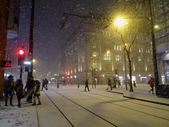 Winter wonderland in Manchester.... (stillunusual) Tags: manchester street streetphotography winter snow streetlife citylife evening night dark urban urbanscenery urbanlandscape cityscape manchesterstreetphotography streetscene mcr city england uk 2018