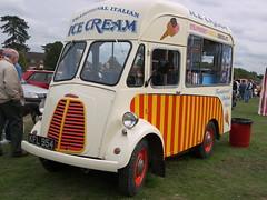 Morris-Commercial J Type Ice Cream Van (KFL 954) (Ray's Photo Collection) Tags: croxley van icecream morris kfl954 morriscommercial j type croxleygreen hertfordshire herts classic car show classicsonthegreen carterssteamfair