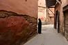 Marocco- Marrakech (venturidonatella) Tags: africa marocco morocco marrakech street streets strada streetscene streetlife donne women woman colori colors d500 nikon nikond500 emozioni luce ombra shadow light aoi elitegalleryaoi bestcapturesaoi
