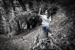Nella Natura, Marciana, Isola d'Elba (fabrizio.silvani.ph) Tags: foresta forest albero tree legno marciana natura nature elba isoladelba persona people nikon