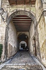 CFR4396 Pasillos en la ciudad (Carlos F1) Tags: nikon d300 hdr pasillo aisle tunel tunnel cuenca calle street stone rock piedras rocas cityscape