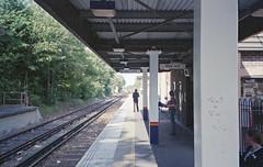 Shepperton Station, 25 June 2004 (Ian D Nolan) Tags: railway station sheppertonstation 35mm epsonperfectionv750scanner