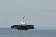Barge (mag3737) Tags: barge tugboat