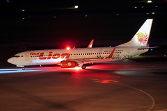 Thai Lion Boeing 737-8GP HS-LUK (Mark Harris photography) Tags: spotting changi wsss plane aviation canon