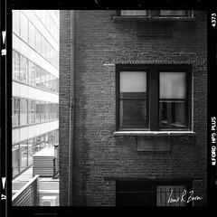 108 (louis.r.zurn) Tags: hasselblad500cm hasselblad 500cm 6x6 120 film 120film newyorkcity hp5 ilfordhp5 hp5ei800 ilfordfilm filmphotography streetphotography nycphotography newyorkcityfilmphotography hc110 blackandwhite blackandwhitefilm homedeveloping zeiss80mmc 80mmlens kitlens