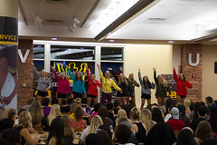 GAC_0038-2 (kbrimsek) Tags: evelynyoungdiningroom football gamegame gustavusgirlsrugbyteam gustieswillreign homecomingfootballgame lipsyncbattle pckyleebrimsek 20170922 20170923 homecoming caf cafeteria commuity dance dancing group outdoor outside rugby singing students
