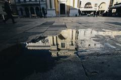 Piazza riflessa (matteoguidetti) Tags: piazza architecture architettura riflesso reflection colors urban urbanphotography city canon eos