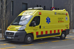 Emergències Mèdiques (bleulights) Tags: emergències mèdiques t83 fiat ducato ambulància ambulancia ambulanza ambulance ambulanz rettungswagen medical emergencies emergencias médicas urgences médicales suport vital bàsic basic life support de base soporte básico samu
