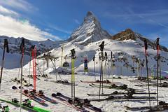 la pause / the break (Make our PLANET great again !) Tags: suisse switzerland valais zermatt lacnoir schwarzsee cervin matterhorn ski nikon montagnes mountains neige snow hiver winter ngc