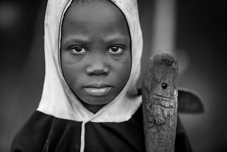 Togo-Benin: l'enfant à la houe.