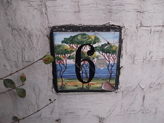 24th February 2018 (themostinept) Tags: thebishopsavenue eastfinchley london n2 wall paint plant leaves sign housenumber 6 six tiles painting barnet 6frame