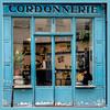 Ceci n'est pas une cordonnerie ... c'est un café ! / This is not a shoe repair shop, it's a cafe ! - Paris III (christian_lemale) Tags: magasin shop paris france nikon d7100 cordonnerie shoe repair café cafe bar