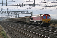 66118 @ Chorlton Lane Nr Crewe (uksean13) Tags: 66118 dbs dbschenker dbred diesel cheshire chorltonlane crewe canon 760d ef70200mmf4lusm train railway shed