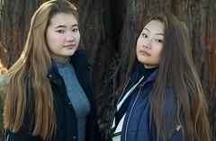 Kangli & Tenzin (e³°°°) Tags: portrait portraiture portret posing pose duo double sisters zussen femme female fille face mammoetboom sequoia girl girls gorgeous ladies mädchen meisje mademoiselle meisjes twee two tibet tibetan ghent gent duoshoot plantentuin ug ugent tenzin kangli
