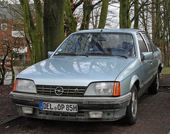 Rekord (Schwanzus_Longus) Tags: delmenhorst spotted spotting carspotting german germany old classic vintage car vehicle sedan saloon opel rekord e gm general motors holden vauxhall