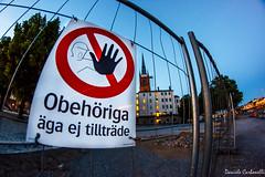 Obehöriga (carbonelli93) Tags: rosso svezia sweden stoccolma stockholm obehöriga divieto attenzione stop alt