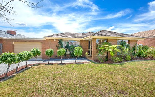 34 Frost Dr, Delahey VIC 3037