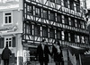 lovers@Tübingen, Germany (Amselchen) Tags: fachwerk germany trusshouse architecture oldcity pedestrian travel tourists mono monochrome bnw blackandwhite shade shadow fujifilm fujifilmxseries xt2 zeiss carlzeiss touit1832 fujifilmxt2
