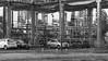 Caños - Pipes (Raúl Alejandro Rodríguez) Tags: rarb1950 blanco y negro black white bw cañerías pipes destilería de petróleo oil refinery ypf autos cars la plata provincia buenos aires province argentina