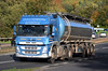 Davidson Bros of Shotts Volvo FM SF17WDP on the A90, Dundee, Sep 2017 (andyflyer) Tags: davidsonbros shotts volvofm sf17wdp lorry truck hgv transport roadtransport haulage